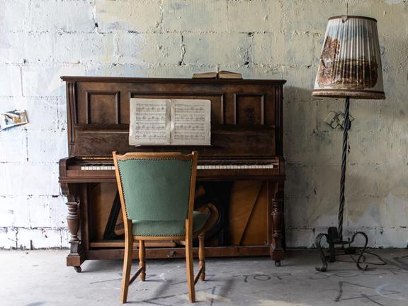 r-piano-2